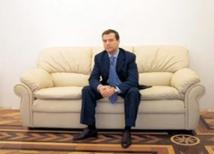 Медведев сделал вид, что объяснил казус имени самого себя